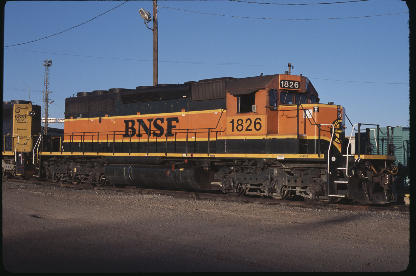 burlington northern santa fe railway The burlington northern and santa fe railway (bnsf) was formed in 1996 with the merger of the burlington northern and santa fe railroads bnsf is a major us carrier which currently boasts the second-largest freight network in north america.