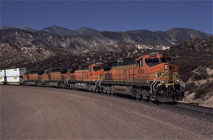 BNSF 4363 am Cajon Pass, 26. September 1999, Foto: Peter Wittmann